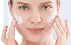 Čišćenje je neophodan prvi korak u nezi masne i problematične kože