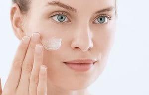 Koristite preparat za hidrataciju posle upotrebe micelarne vode.